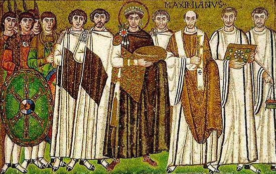 Император Юстиниан Великий со свитой. Мозаика, Равеннский Виталиевский храм, 548 г.