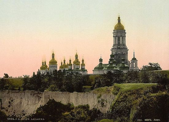 19th-century photo of the Kiev Pechersk Lavra in Kiev