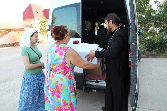 Примопредаја хуманитарне помоћи у засеоку Новофедоровка