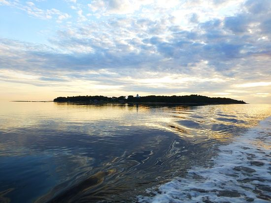 Кий-Остров. Вид на остров с корабля
