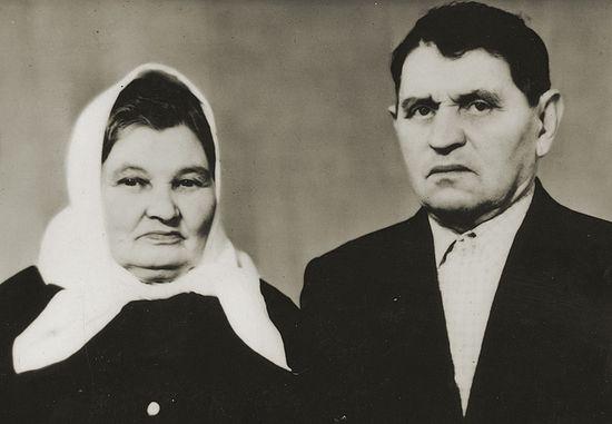 Владимир Васильевич и Елена Иосифовна Зуевы