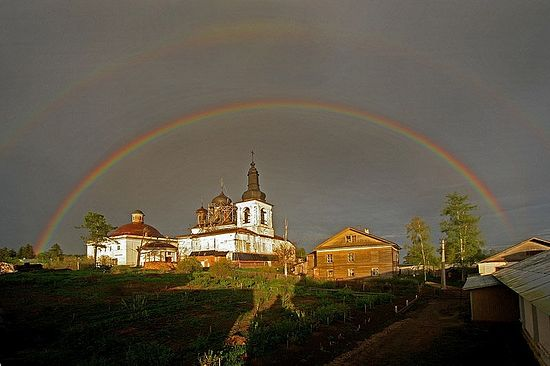 Rainbow over the Holy Resurrection Convent in Goritsy. Photo: Maximilian, Archbishop of Vologda and Veliky Ustjug