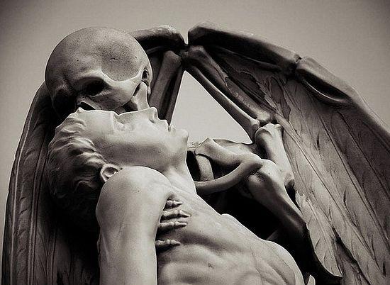 Надгробный памятник в Барселоне