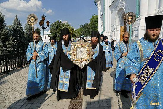 183384.p Всемирното Православие - КОПИЕТО НА ЧУДОТВОРНАТА ПОЧАЕВСКА ИКОНА НА БОЖИЯТА МАЙКА БЕШЕ ДОНЕСЕНО В СВЕТИТЕ ГОРИ (УКРАЙНА)