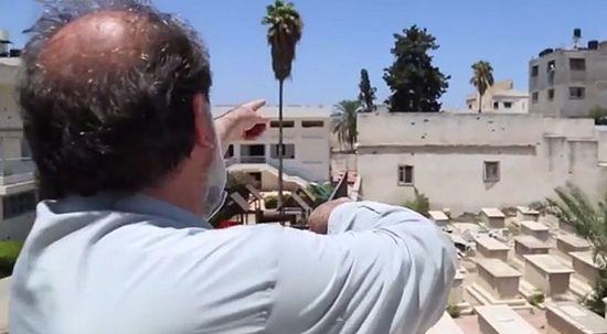 Владыка показывает разрушения, нанесенные ракетными обстрелами Газы армией Изралия