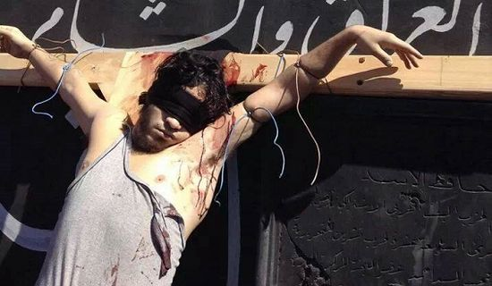 Один из распятых исламистами