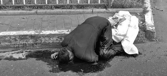 Священник Владимир Креслянский убит во время арт-обстрела, когда возвращался после богослужения