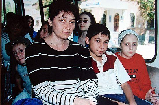 Семья После трагедии. Фото Фатимы Аликовой (Цаликовой)