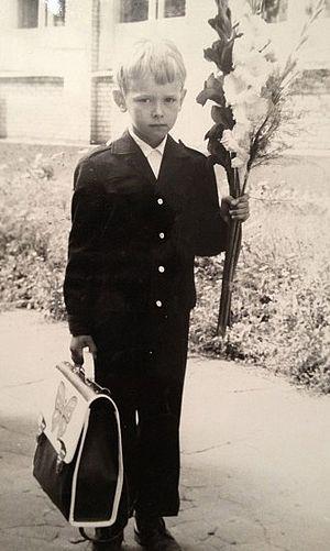 Дима Соколов идёт в школу. 1 сентября 1982 г.