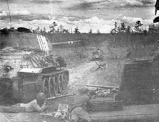 Советский танк Т-34 в боях за юг Сахалина