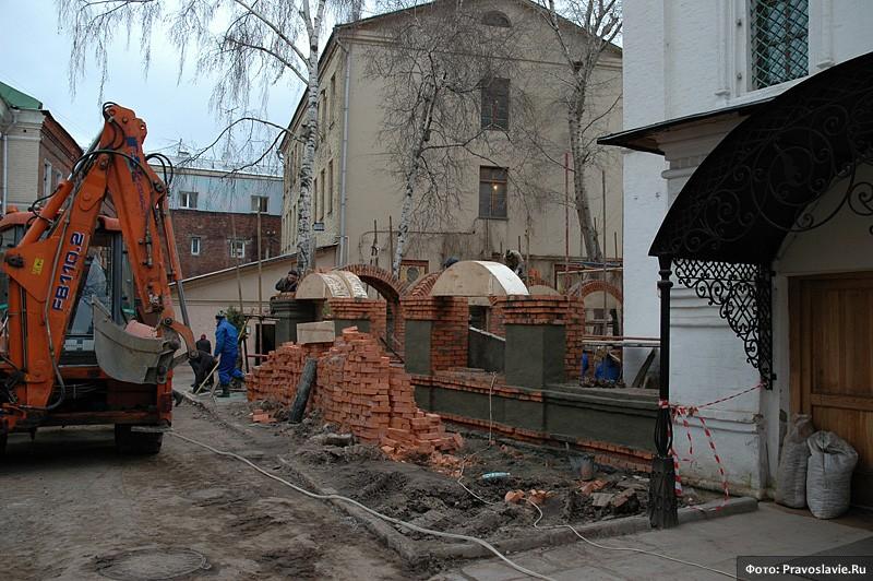 Пристройка галерей. Фото: Православие.Ru
