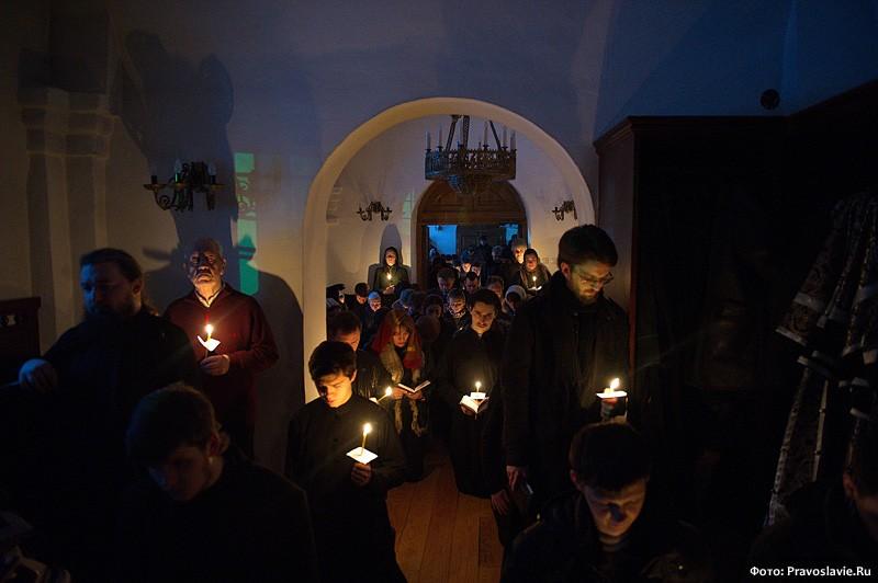 В братском приделе. Фото: Православие.Ru