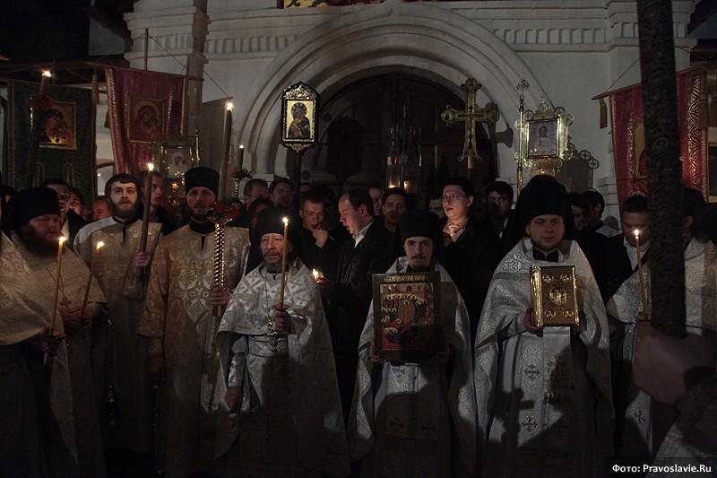 Пасхальный крестный ход. Фото: М. Родионов / Православие.Ru