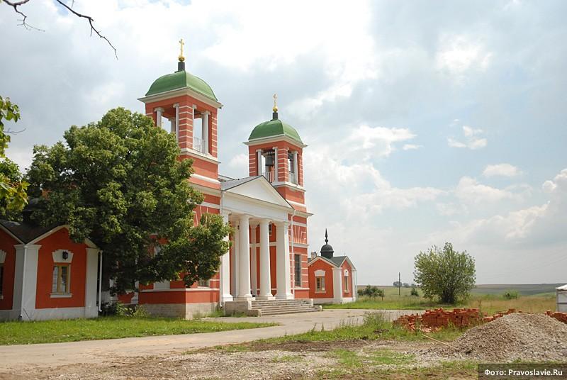Казанский храм в с. Красном. Фото: Православие.Ru