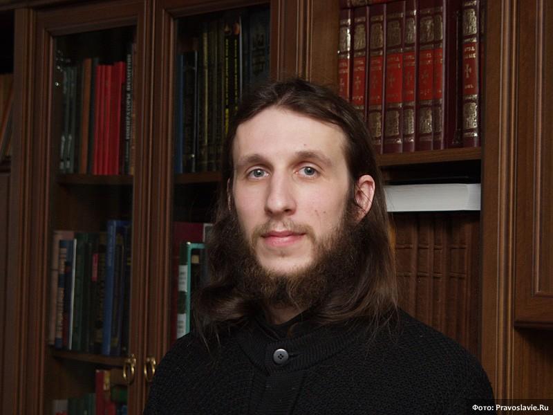 Иеромонах Симеон, руководитель издательства. Фото: М. Родионов / Православие.Ru