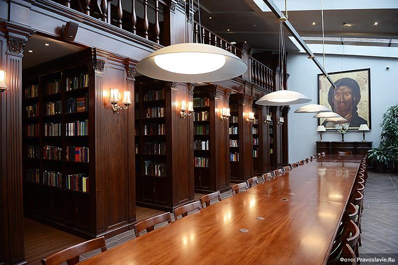 Библиотека в новом здании семинарии. Фото: Православие.Ru