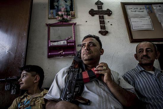 Для христиан Ирака настало время мученичества. Христиане в Каракуше - еще с надеждой на земную защиту. Июнь 2014