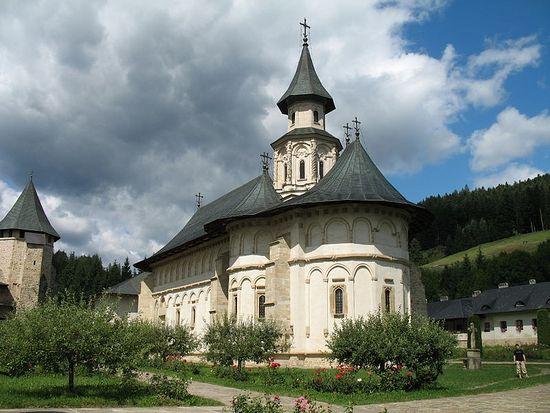 Главный храм монастыря Путна — собор Успения Пресвятой Богородицы (1466 г.)