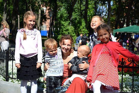 Матушка Анна с детьми