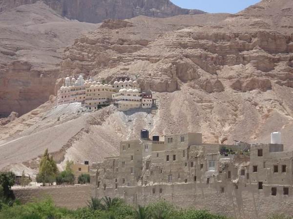 Монастырь Святого Павла Фивейского в Восточной Пустыне в Египте