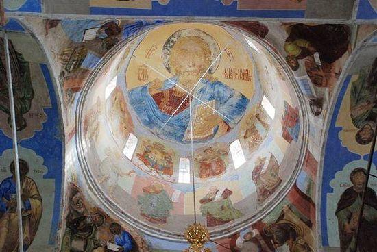 Роспись в куполе Свято-Троицкого Александро-Свирского мужского монастыря