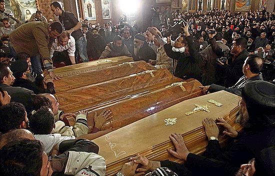 Сахрана убијених хришћана у Египту