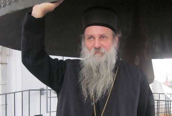 Епископ Славонский Иоанн (Чулибрк) на колокольне Храма Христа Спасителя