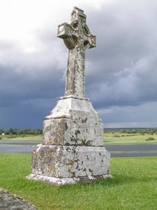 A cross in Clonmacnoise.