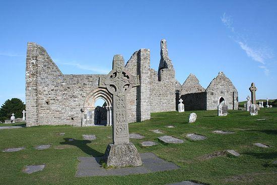 Clonmacnoise, ruins.