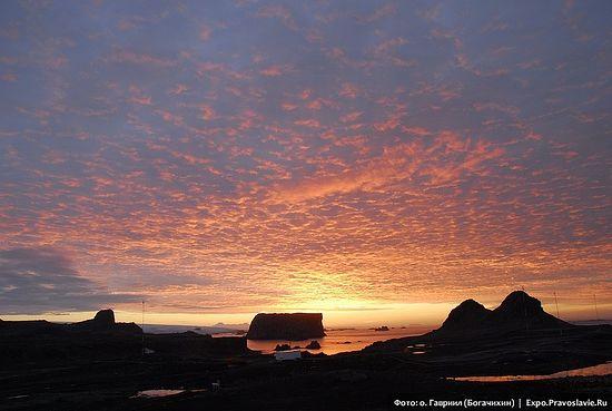 Закат в Антарктиде. Фото: иеромонах Гавриил (Богачихин)