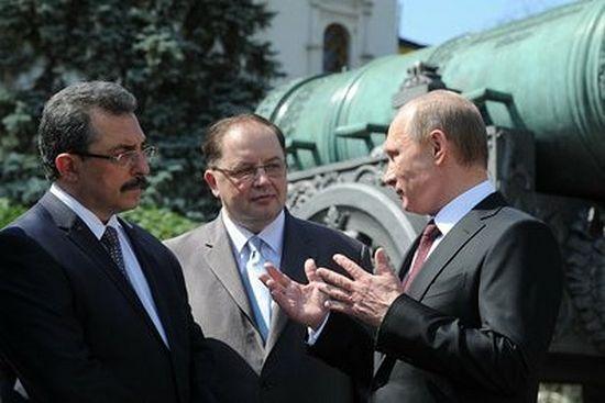 Владимир Путин обсуждает восстановление монастырей. 31 июля 2014 г.