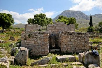 Рыночная площадь древнего Коринфа, на которой скорее всего проповедовал апостол Павел