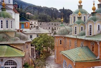 Свято-Пантелеимонов монастырь до реставрации. Начало 1990-х годов