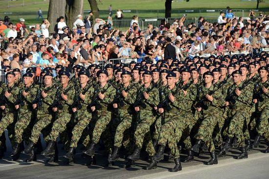 Белград. Генеральная репетиция военного парада