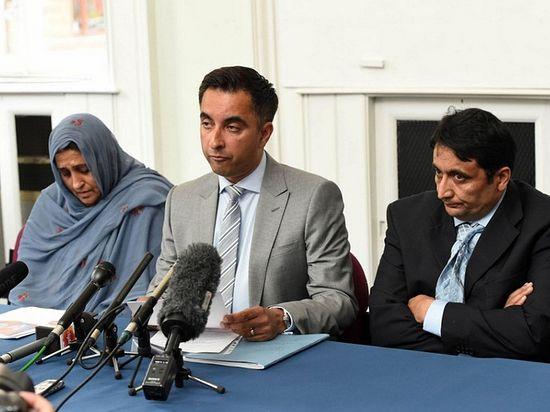 Родители Аксы на пресс-конференции
