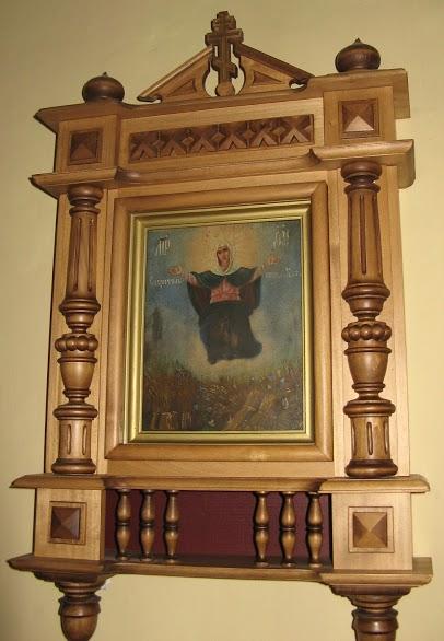 Икона Богородицы Спорительница хлебов в Введенском храем Оптиной пустыни. Август 2009