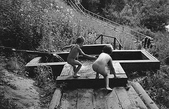 Чудотворный источник на реке Сить