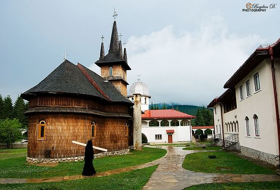 Монастырь Оаша