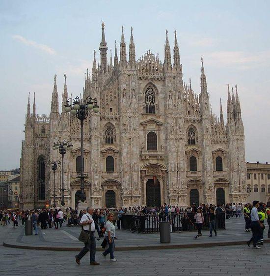 Милан. Кафедральный католический собор (Дуомо)