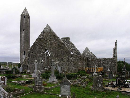 Kilmacduagh Abbey ruins