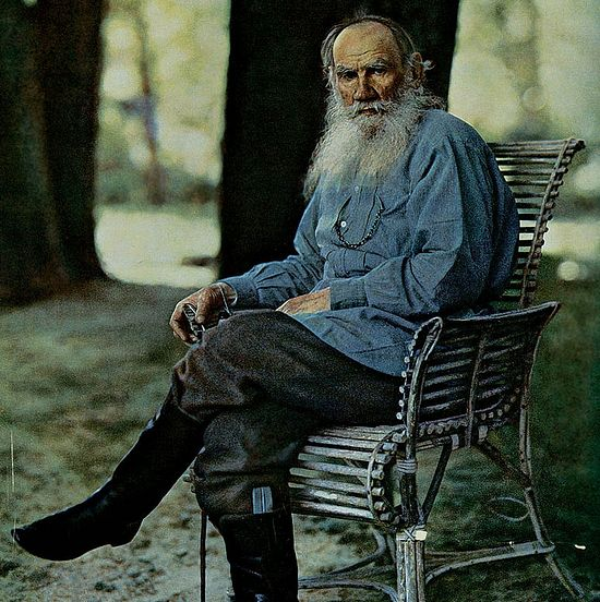 Л.Н. Толстой. 1908 г. Ясная Поляна. Фотография С.М. Прокудина-Горского.