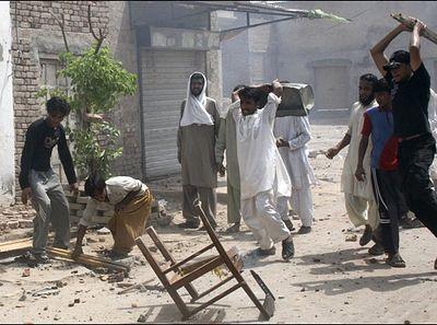 Пакистан: христиан изгоняют из деревни из-за одного брака с мусульманкой