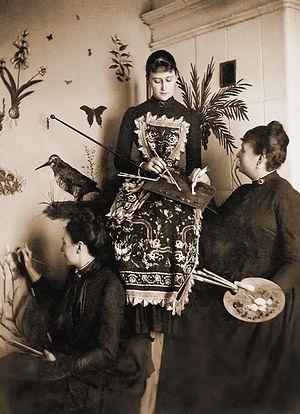 Великая княгиня Елизавета Федоровна за занятиями живописью. Конец 1880-х гг