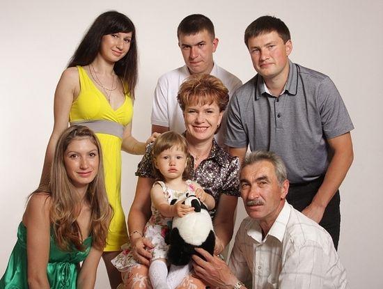 Софья Широбокова с семьей