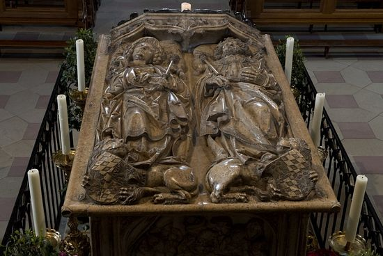 Гробница императорской пары
