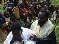 В Руанде 126 человек приняли святое крещение (ФОТО)