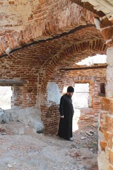 Разрушенные храмы — боль Владыки Тарасия