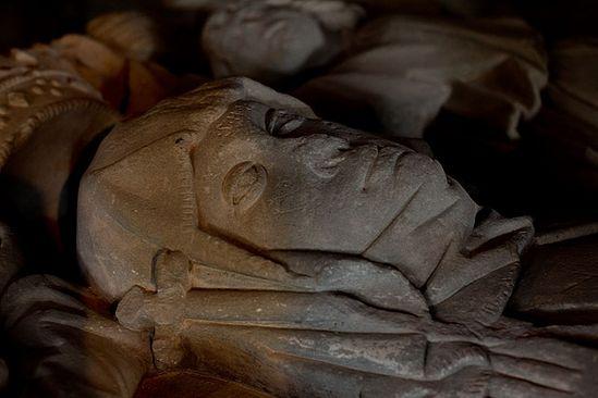 Гробница святой Вильбурги в монастыре Хайденхайм