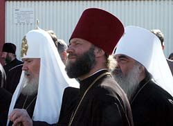 During the visit of His Holiness Patriarch Alexy to Belorussia in May 2002. Photo: Pravoslavie.Ru
