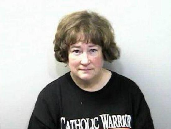 """Сьюзан была в футболке с надписью """"католический воин"""""""